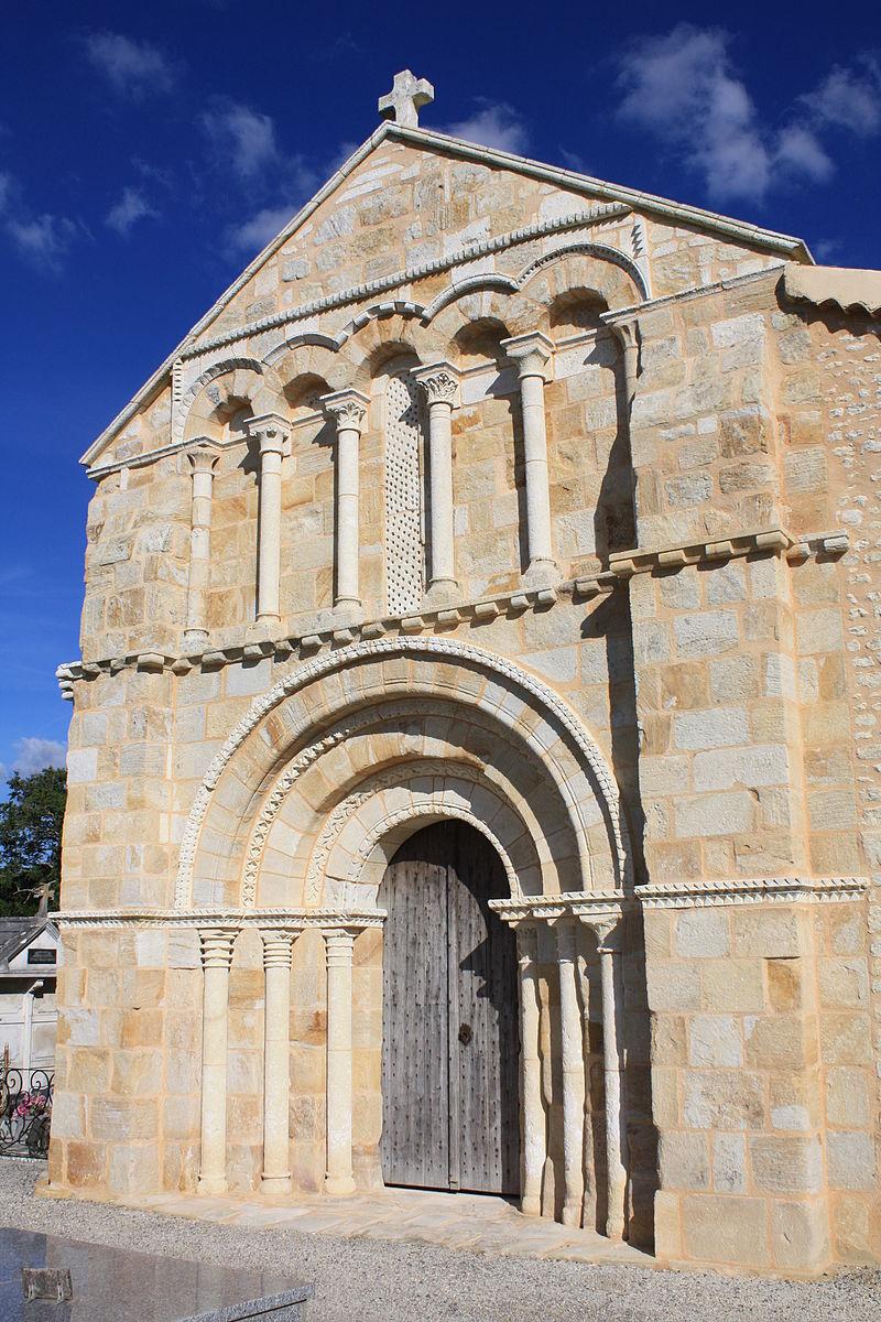Sainte-Colombe -17- Eglise Saint-Eutrope Façade romane photo n°30.JPG
