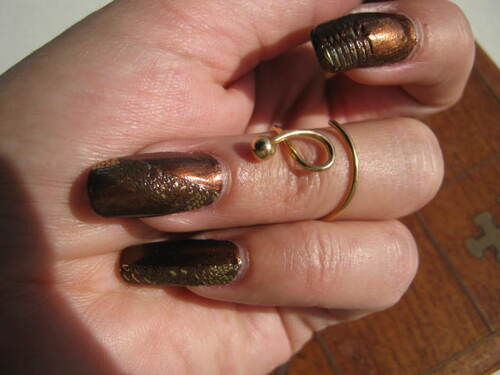 Nail art : La mue du Python chic - stickers