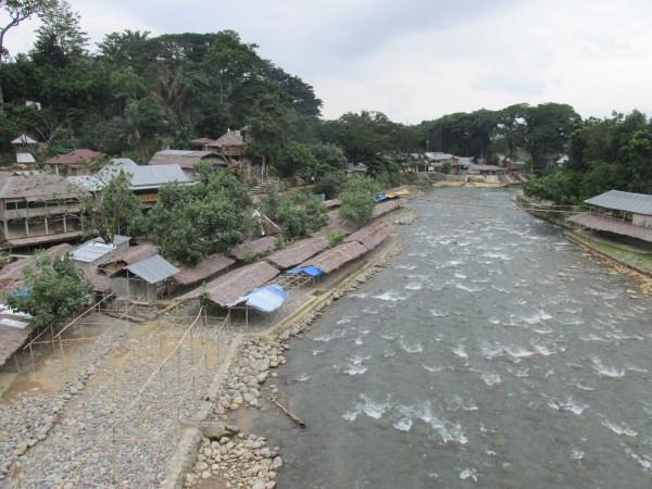 Sumatra - Bukit lawang - Man Vs Wild 2