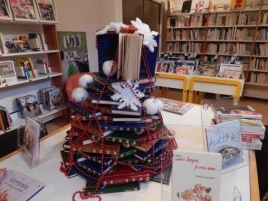 sapin de livres Noël 2014 (2) - Copie