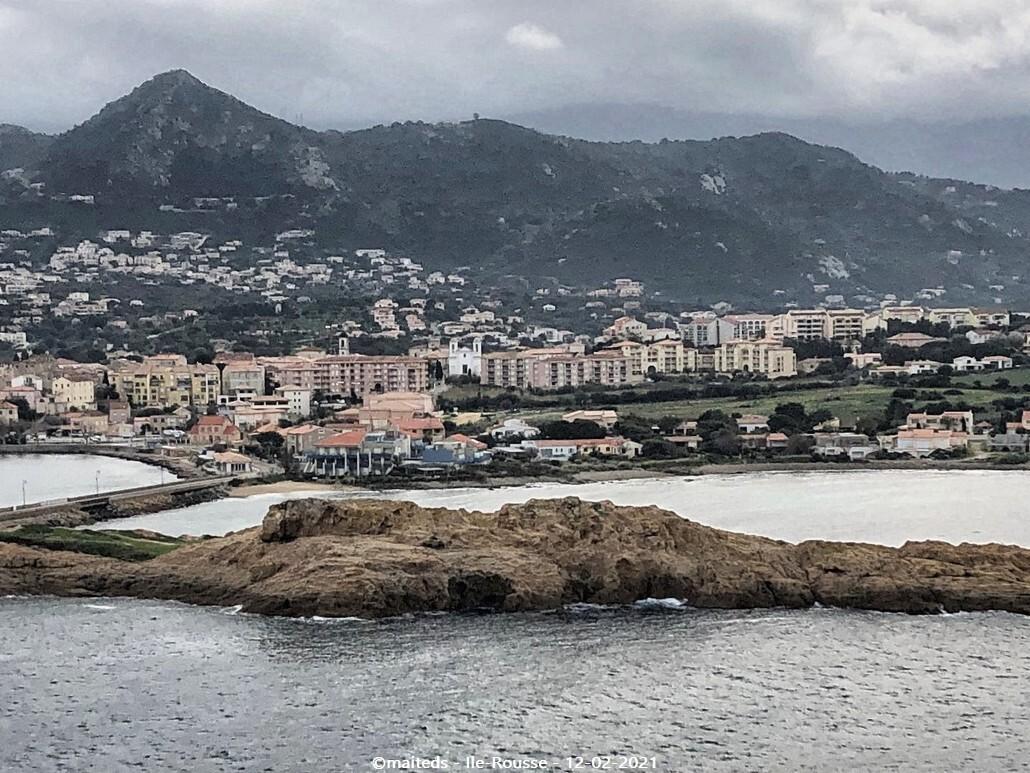 Vue d'Ile-Rousse depuis le phare de la Pietra