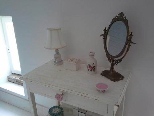 table restaurée salle de bain