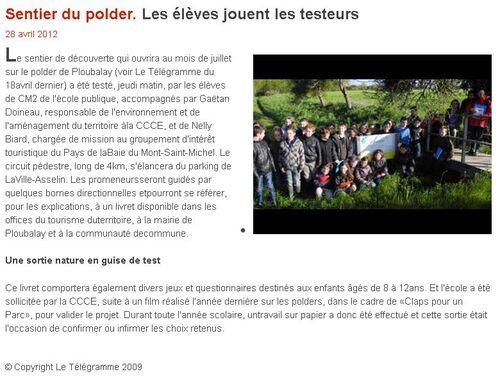 28/04/2012 - Sentier du polder. Les élèves jouent les testeurs.
