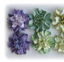 Fleurs en papier en relief