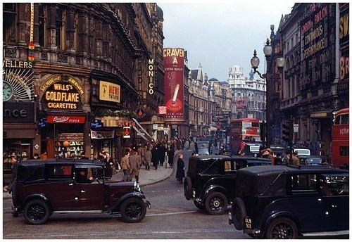london-vintage-40s-car-city-9d5f6d5232c8157f8a799bfb1a61902.jpg