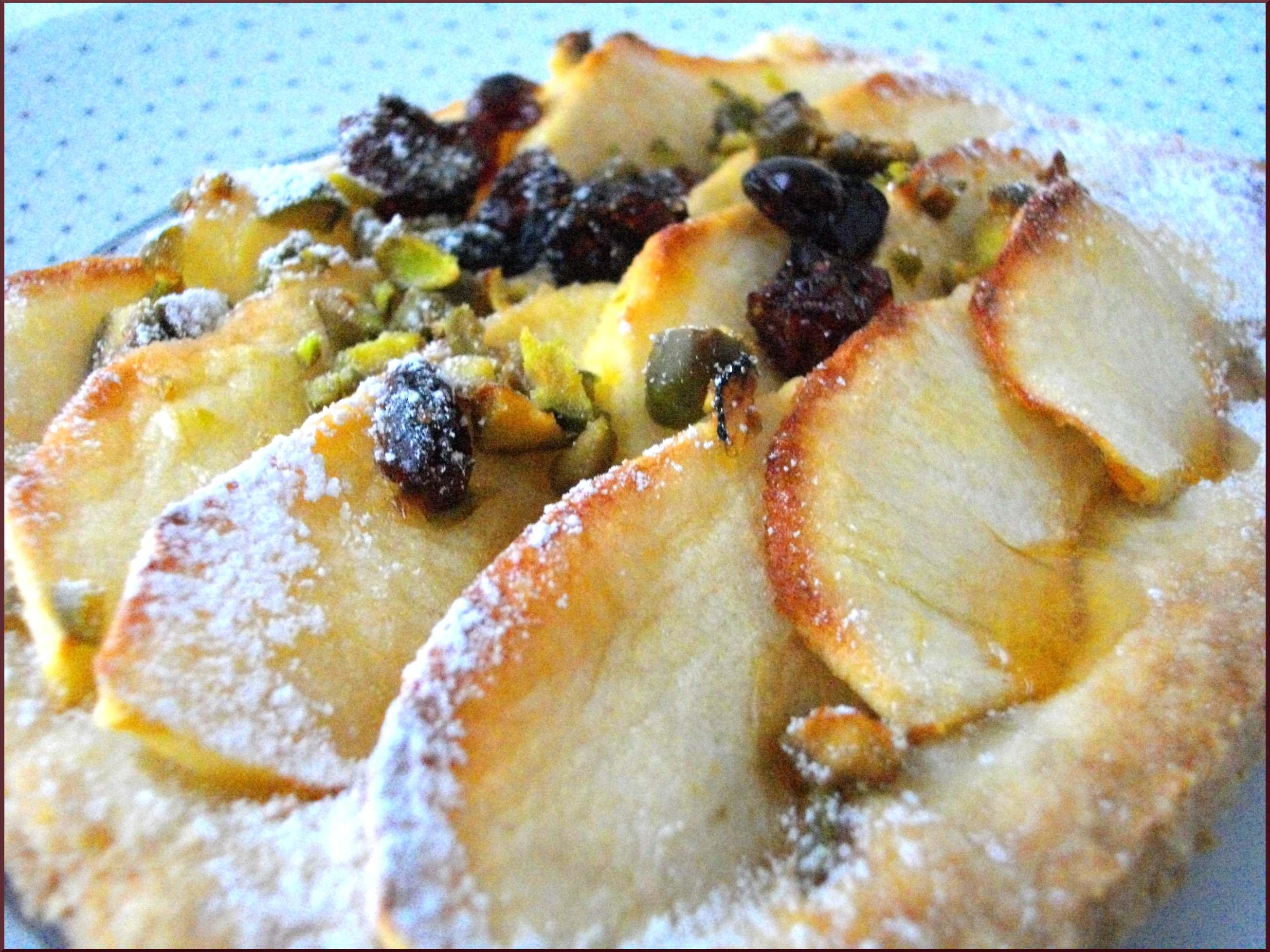 Tarte fine rustique aux Pommes, Pistaches et Canneberges...