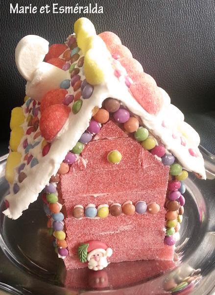 Maison en biscuit et bonbons - Maison en biscuit et bonbons ...
