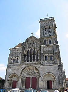 Vezelay basilique facade 01