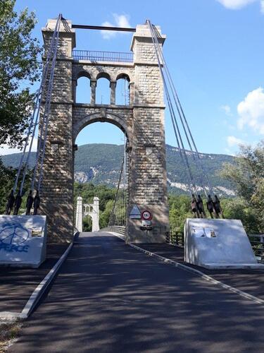 Le pont suspendu de Groslée