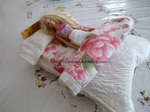 Un lit pas cher pour Barbie