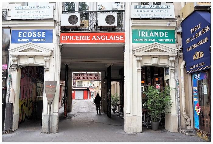 Flâner à Paris. Commerces...