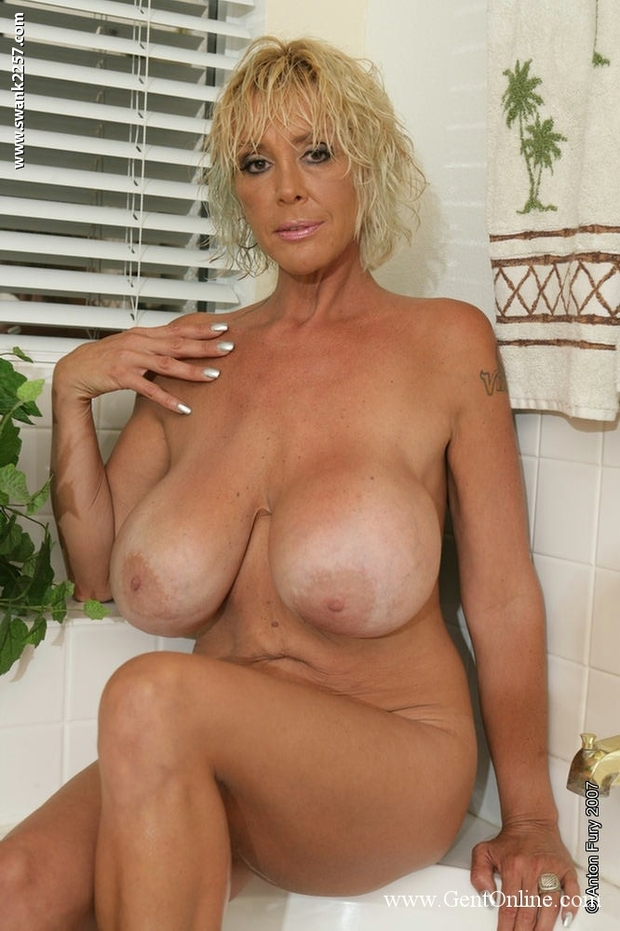 Solo Boobs - 98 - Burbank Bombshell