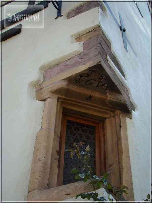 Alsace Haut-Rhin Route des Vins Niedermorschwihr fenêtre d'angle de 1614