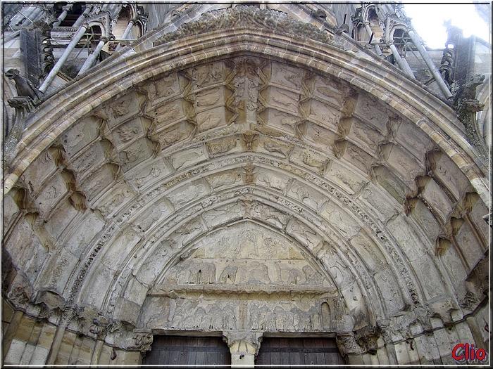 - Châlons-en Champagne - L'Eglise Saint-Jean - PAS FINI  !!!