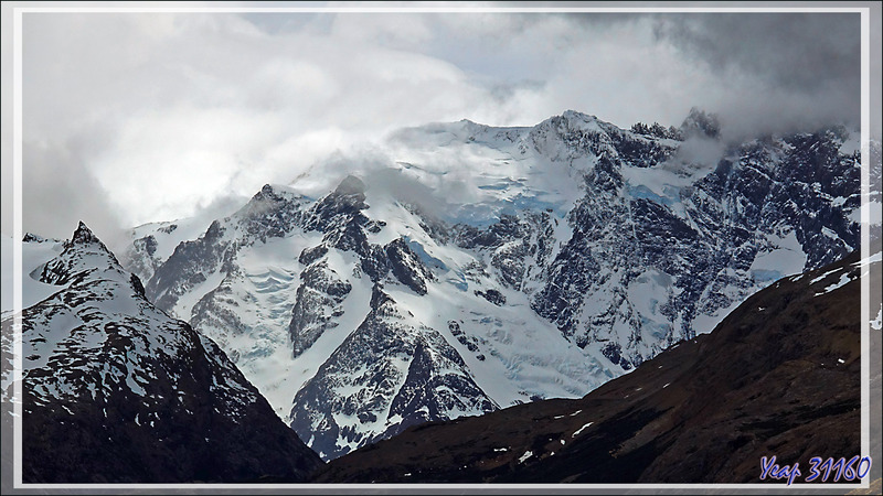 Sommets surplombant le Lago Guillermo - Estancia Cristina - Lago Argentino - Patagonie - Argentine