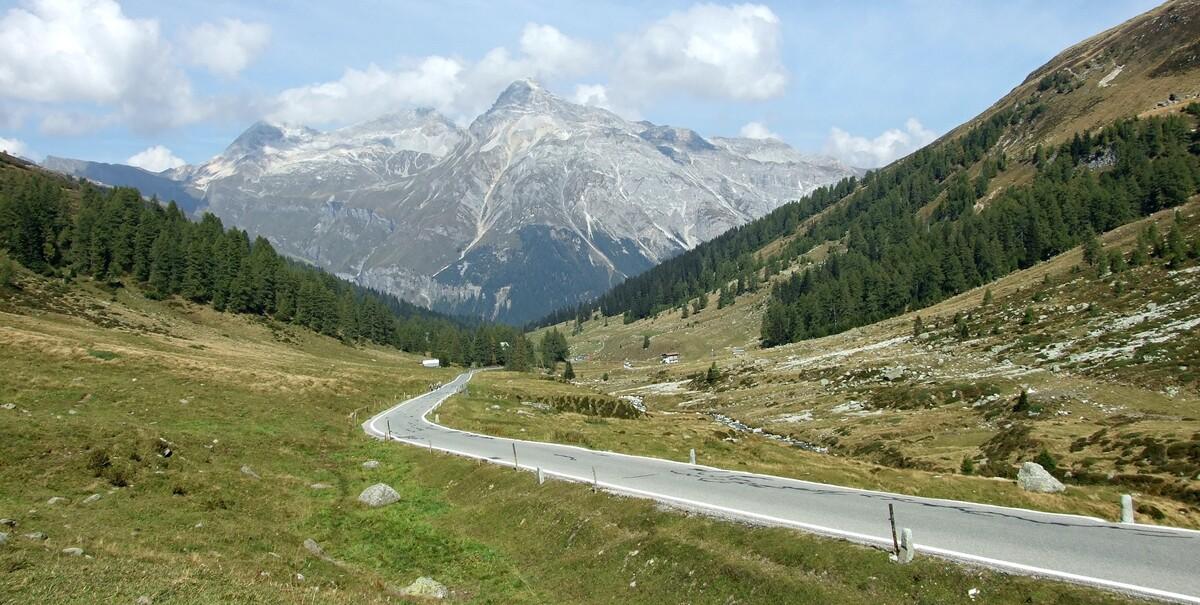 4- Col de Splugen ( Suisse) / 2113m