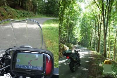 Balade à moto entre bruyères et ciel