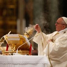 «NOUS DEVONS ATTENDRE ET VOIR» : TROP TÔT POUR JUGER TRUMP, DIT LE PAPE