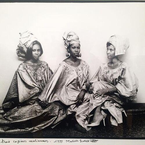 08 - Portraits au féminin, africains en triple