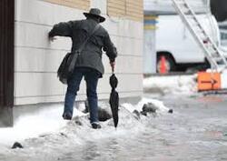 Rappel utile : Vous êtes responsable du déneigement de votre trottoir