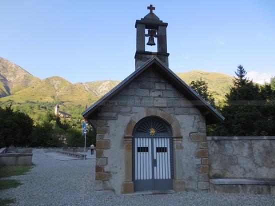 Chapelle e bas du Village de la Salette (1)