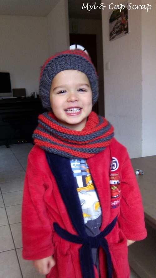 Mylène - Tricot : Un ensemble bonnet et snood enfant