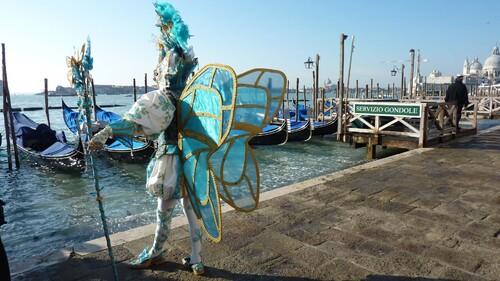 Carnaval de Venise en camping car 2011 Page