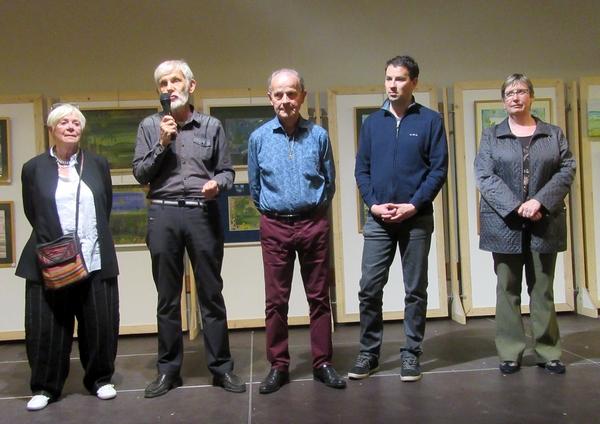 Le dixième salon des peintres des Amis du Châtillonnais a été inauguré en présence de son invitée d'honneur, Annie Chazottes