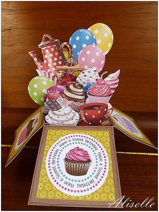 Carte boîte anniversaire