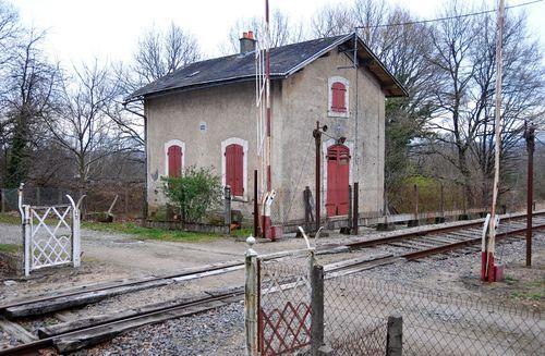 SNCF UN METIER DISPARU CELUI DE GARDE-BARRIERES dans Chemin de fer d1iVwzCxrKEm2pnm_Rz7CXhRYTA