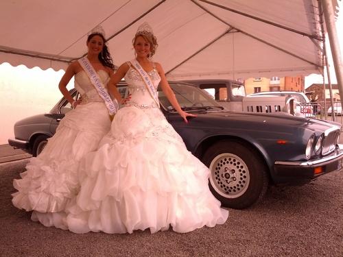 Les Miss du Ternois posent avec nos véhicules