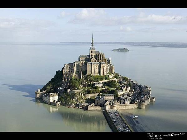 mont-saint-michel 800x600