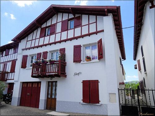 Photos de maisons basques (Espelette-Ezpeleta)