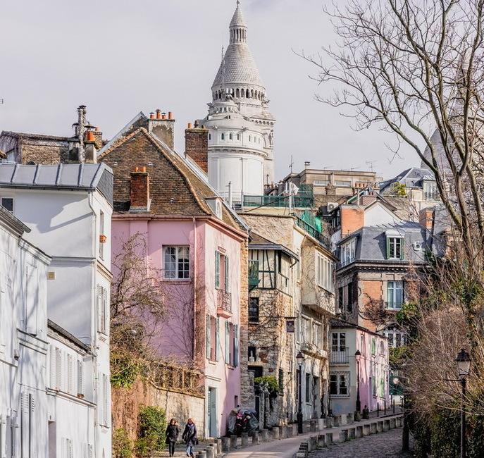 Montmartre, le rose te va si bien.