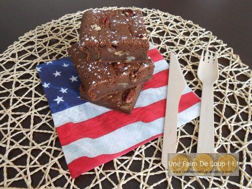 Brownies au chocolat, courgette et noix de pécan
