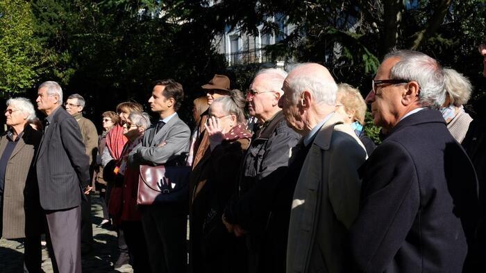 6 octobre 2016 - Cimetière du Père-Lachaise  5e anniversaire de l'inauguration   de la stèle de la Ville de Paris   aux victimes de l'OAS