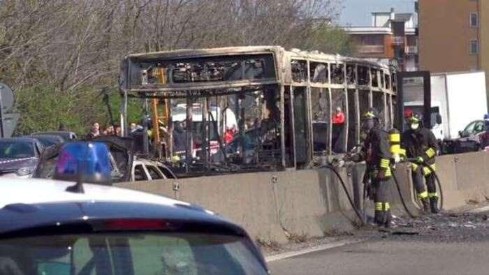 """Italie : 51 collégiens sauvés d'une prise d'otages, un """"carnage"""" évité de justesse"""