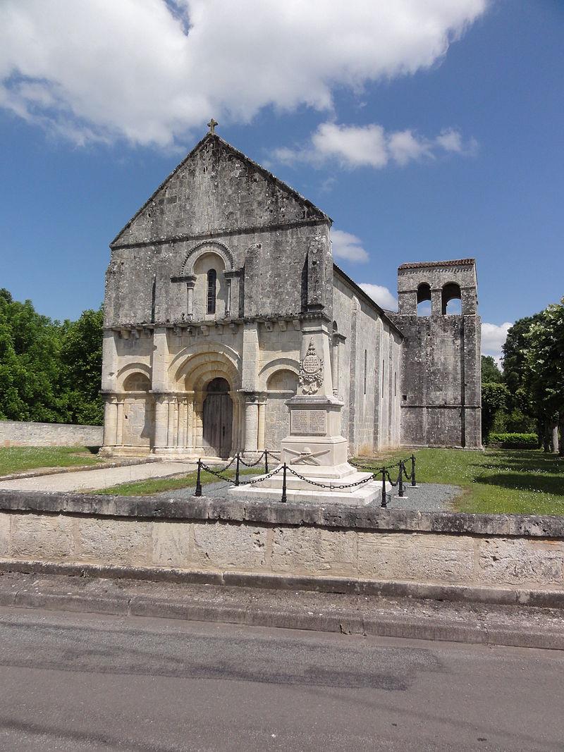 Grandjean (Charente-Maritime) église, extérieur.JPG