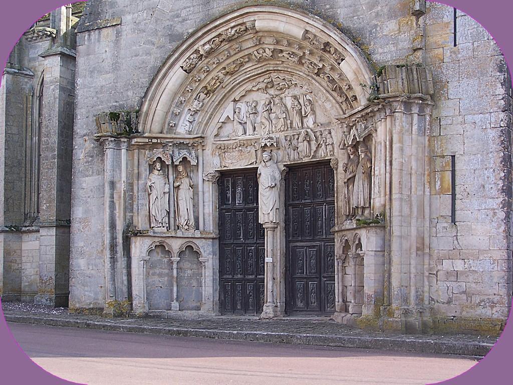 PRIEURÉ DE SAINT THIBAULT (CÔTE D'OR)