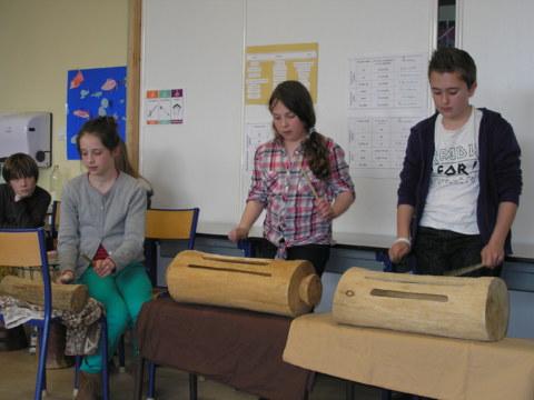 Percussions : Balakulania (joué) + Kuku (chanté)
