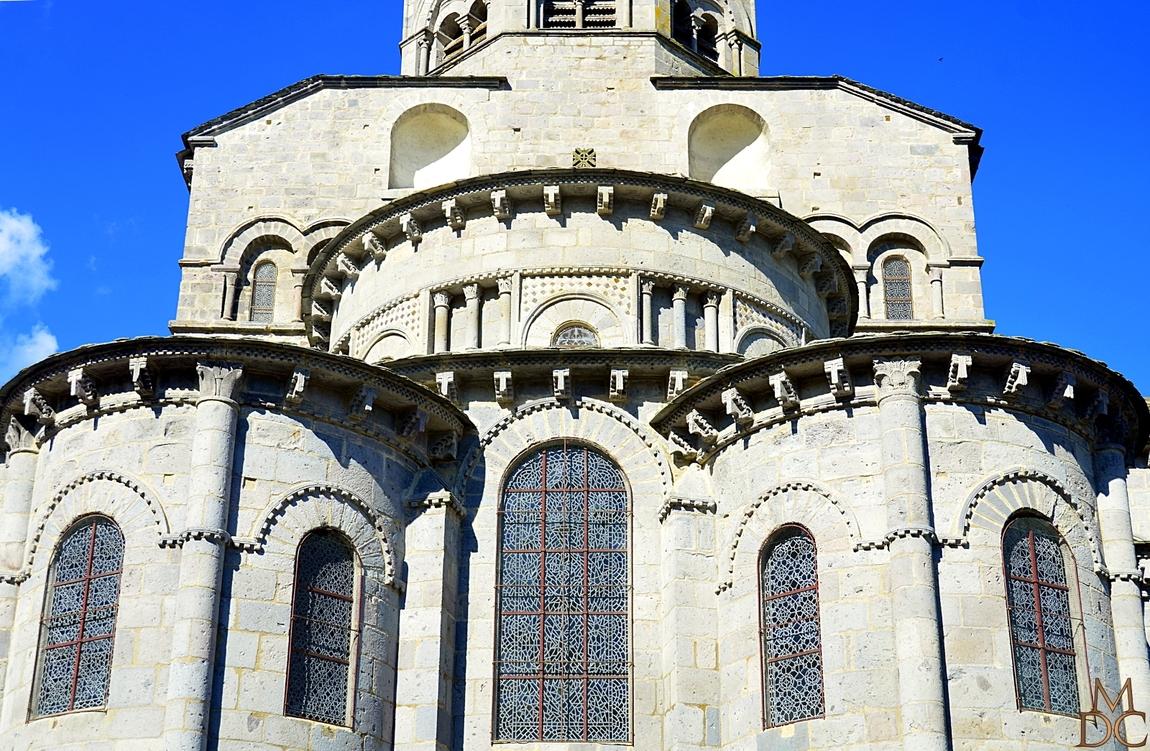 Basilique Notre-Dame d'Orcival (63) Puy de Dôme