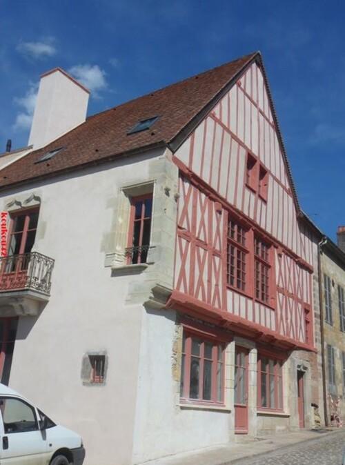 Echappée belle Bourguignonne. Semur-en-Auxois.