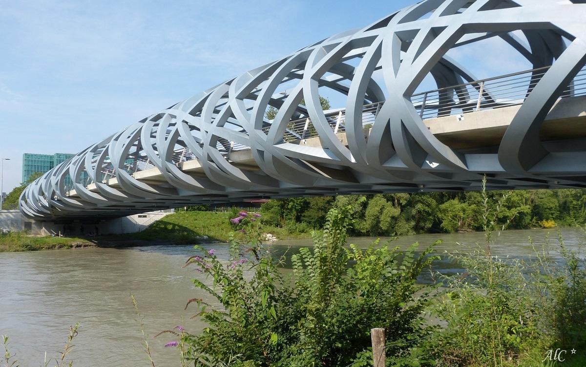 Le pont Wilsdorf sur l'Arve