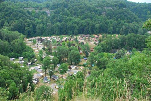 Vue sur le camping pres duquel nousstationnons depuis le belvédère de Fontenu