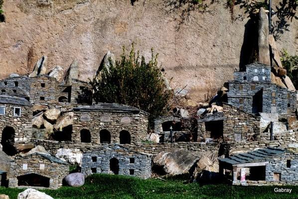 R05 - Une partie du village