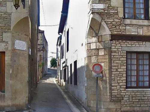 Les rues de Châtillon qsur Seine:la rue Saint Germain....