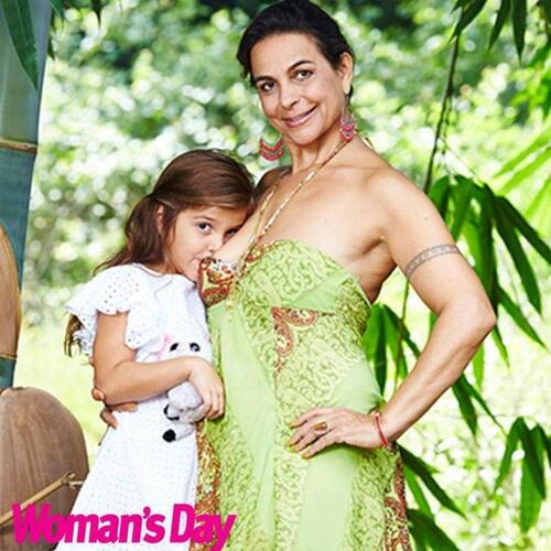 Cette maman donne toujours le sein à sa fille, âgée de six ans (photos)