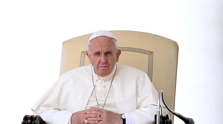 pape François recadré audience