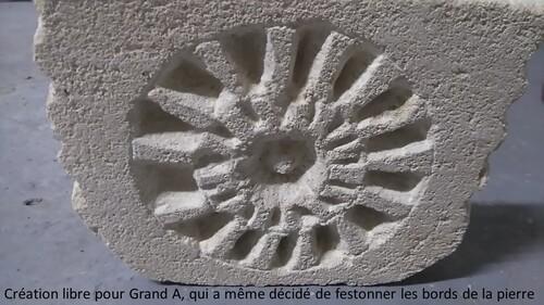 Taille de pierre à la cour des artistes de Liverdun