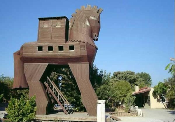 Insolite 3:  15 maisons bizarres et insolites autour du monde